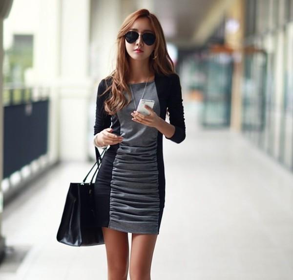 темное платье с вертикальным узором