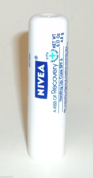 NIVEA Healing Lip Care Balm
