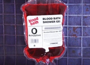 ксессуары для ванной в стиле «Психо» Хичкока - контейнер для переливания крови с гелем для душа не вызывающего сомнения цвета - версия 2.